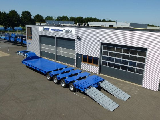 Heavy duty lowbed 4 axle suitable for awkward road condition   Payload 120 tonnes
