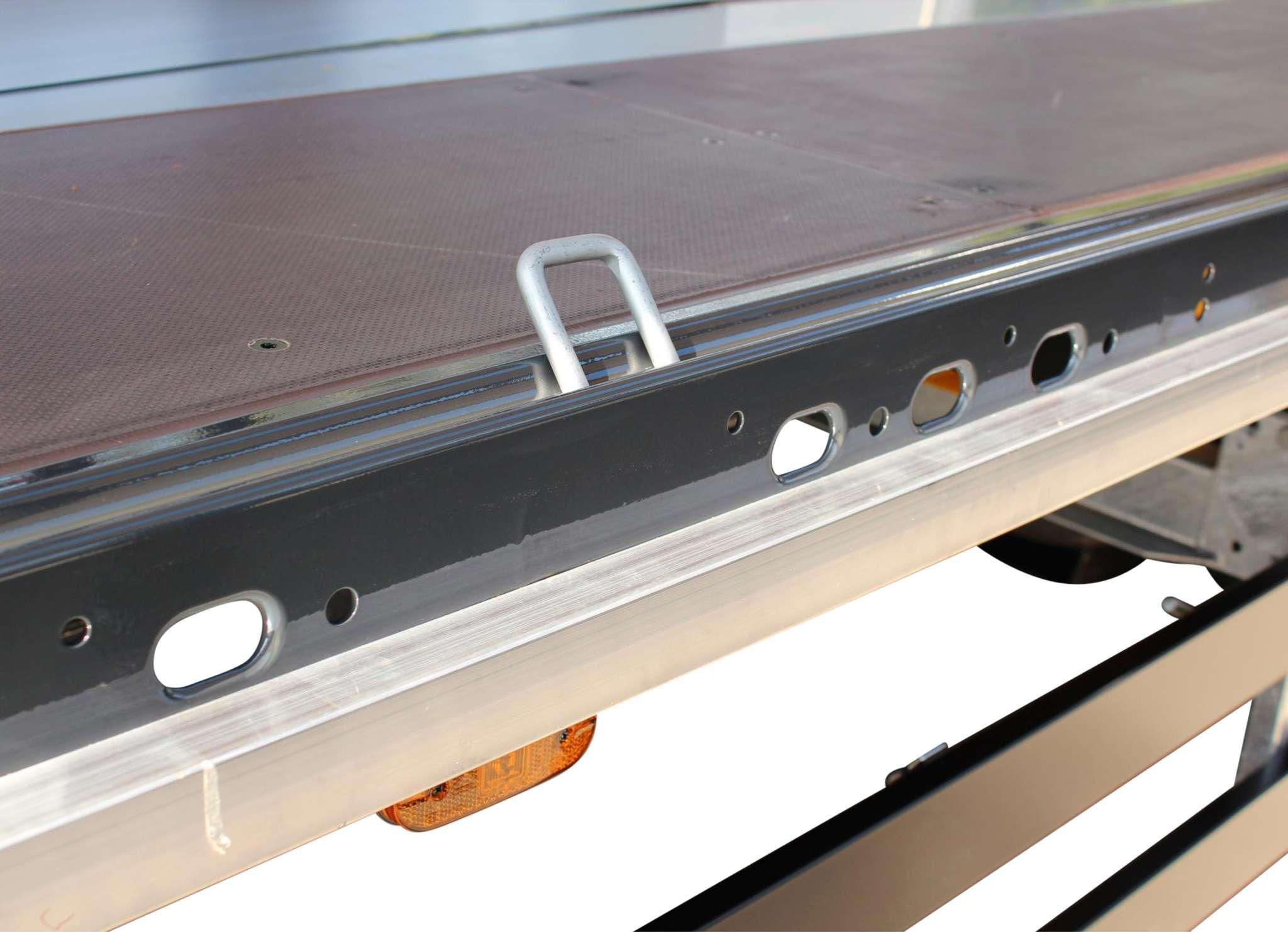 3-axle sliding tarpaulin platform semitrailer