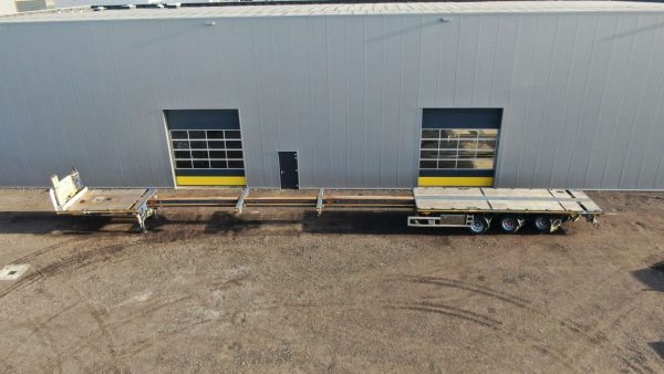 Extendable flatbed trailer   3 axles hydraulic steering   extendable till 36 m   payload 34 t