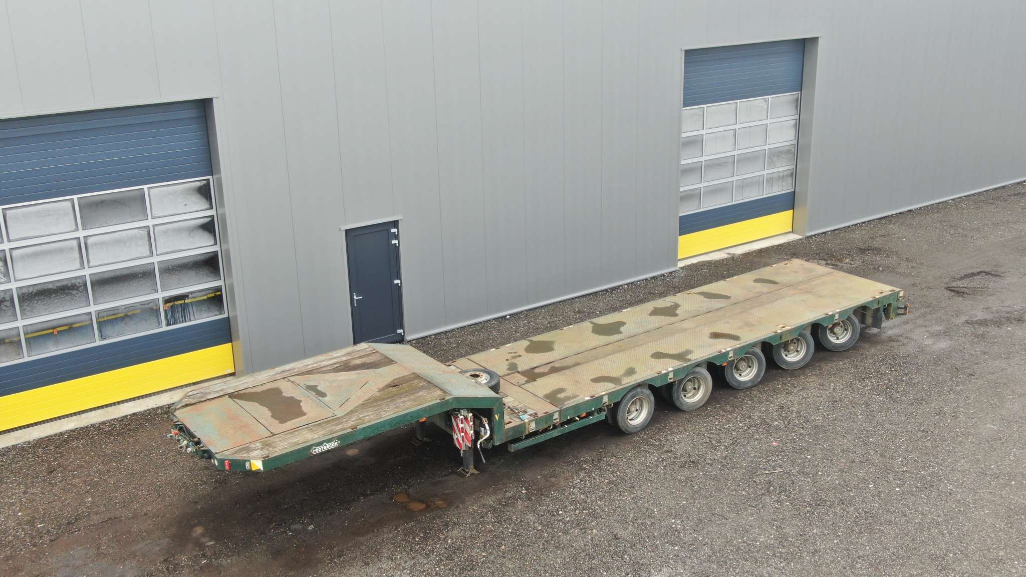 5 Axle semi lowbed | extendable till 15.6 m | loading height 830 mm | payload 43 t