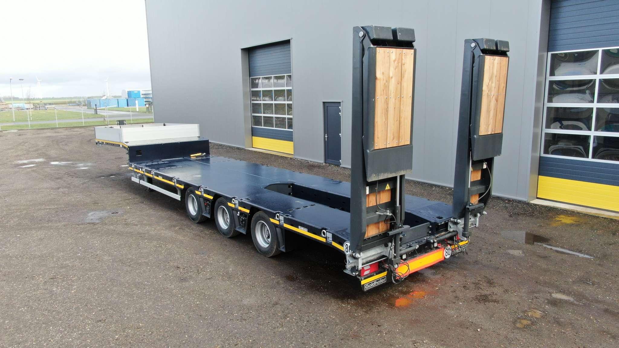 3-Assige semi dieplader | gieksleuf | uitschuifbaar tot 12,3 m | laadvermogen 38/44 ton