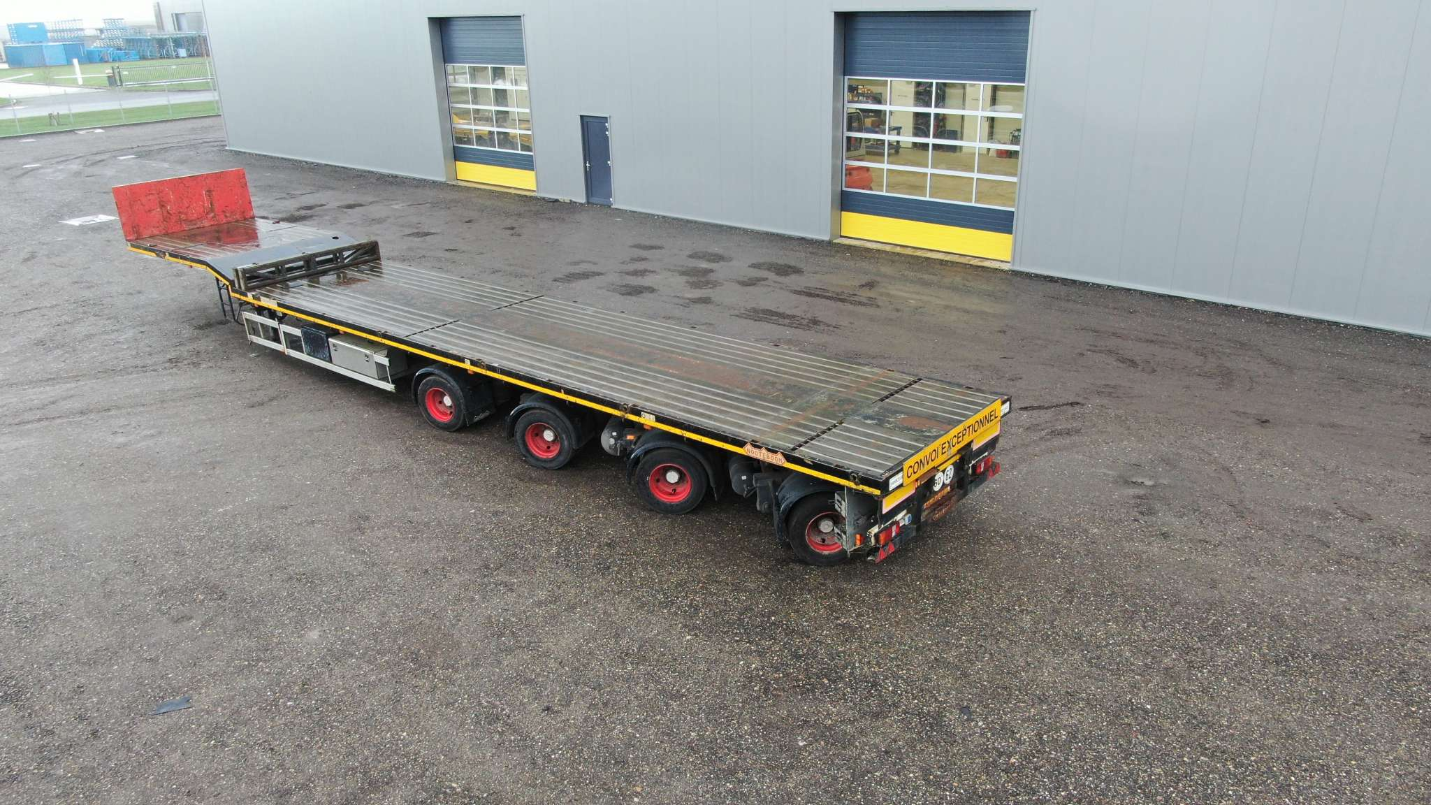 4 Ejes de cama plana | 3x extensible hasta 48 m | carga útil 47 toneladas