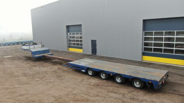 4 Axle semi lowbed | hydraulic steering | Loadfloor height 785 mm | extendable till 16,6 m | payload 28,9 ton