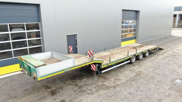 3 axle semi lowbed | through | extendable till 12,2 m | payload 33,4 tons