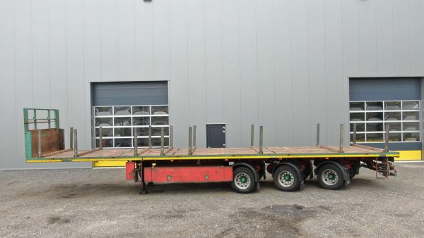 3 Axle teletrailer | hydraulic steered | extendable till 21,4 m | payload 36,5 ton